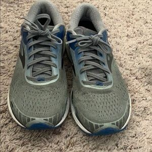 Brooks Shoes - Brooks Running Shoes in Gray!